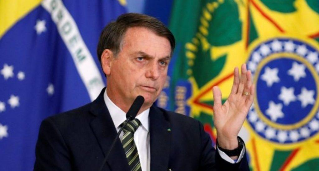 Bolsonaro promete dar 'voadora no pescoço' de quem fizer corrupção em seu governo