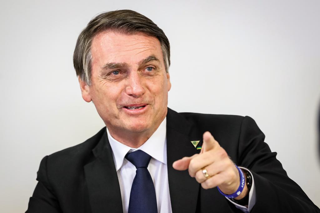 Aprovação de Bolsonaro dispara e bate recorde de 39%, aponta pesquisa