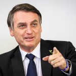 Bolsonaro rindo