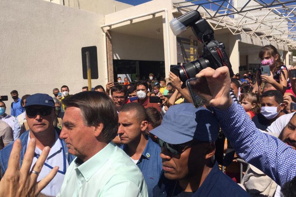VÍDEO: Bolsonaro é ovacionado por multidão em Juazeiro do Norte (CE)